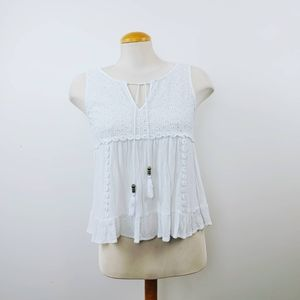 PAPER CRANE | Embroidered White Sleeveless Blouse